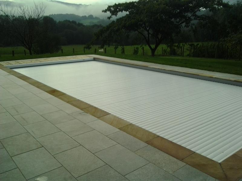 Construction d 39 une piscine 11 x 4 5 m avec liner arm gris for Construction piscine 81