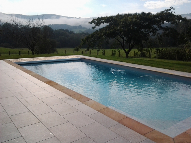 Construction d 39 une piscine 11 x 4 5 m avec liner arm gris for Ph d une piscine